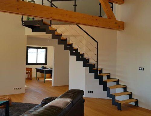 Escaliers-escalier acier + bois + verre bis