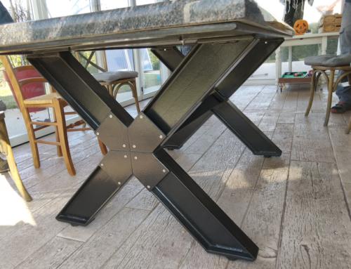 Mobiliers-table acier