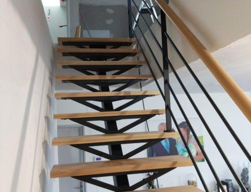 escalier acier/bois limon central